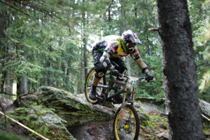 Mountain_bike_in_downhill_race